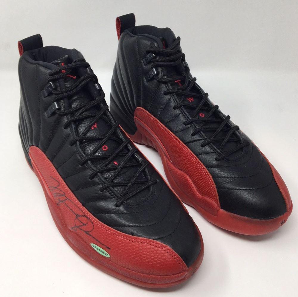 0b9a77265fb Image 1 : Michael Jordan Signed Original 1997 Nike Air Jordan 12 Flu Basketball  Shoes (