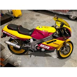 1992 Yamaha FZR 600 Factory Race Replica