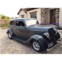 1935 Ford Model 48 2 Door Sedan