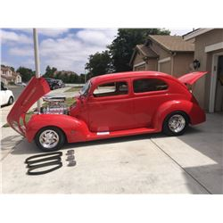 1939 Ford Custom  2 DOOR SEDAN