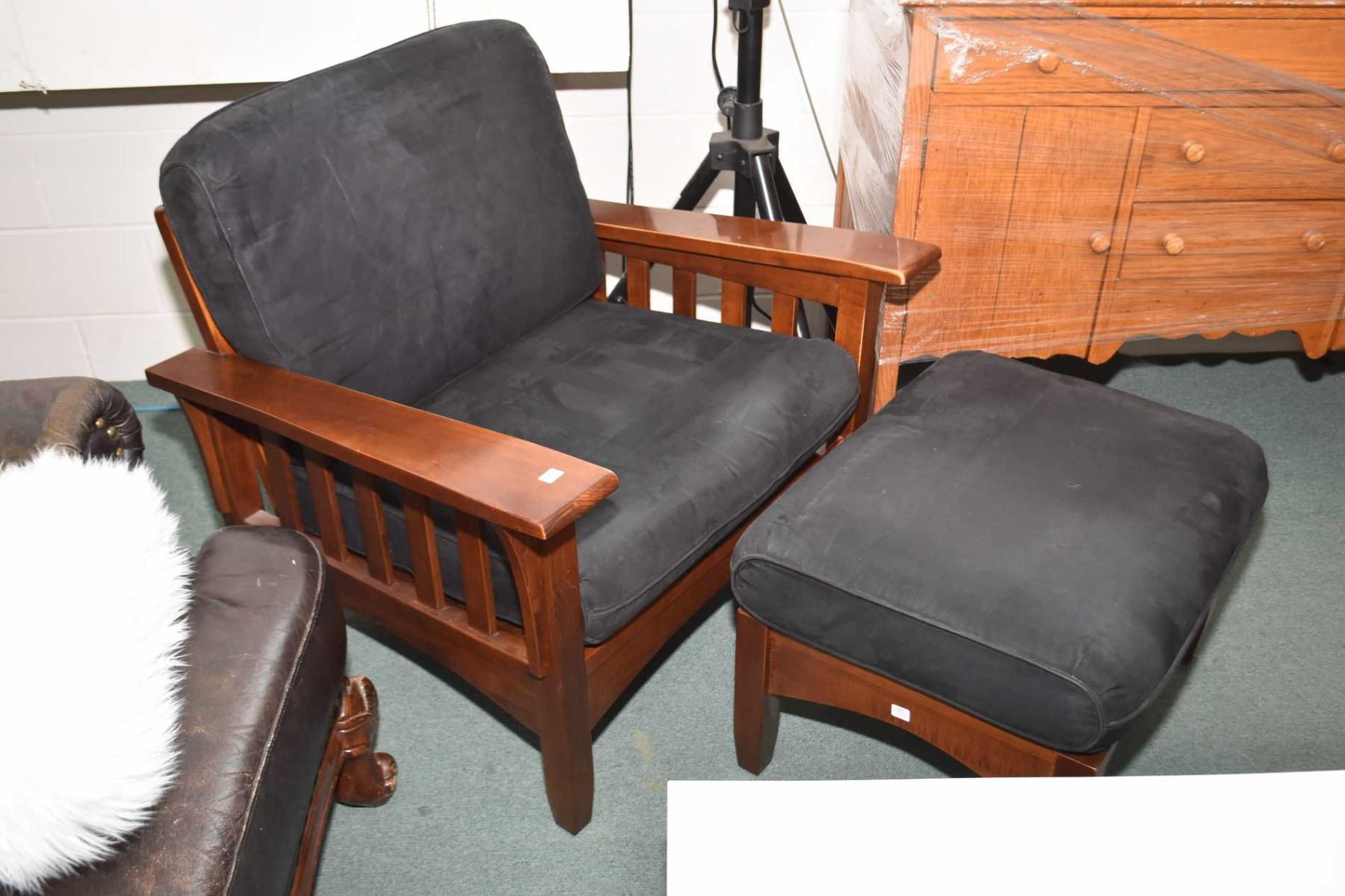 Amazing Semi Contemporary Maple Framed Mission Style Loveseat Arm Dailytribune Chair Design For Home Dailytribuneorg