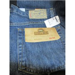 New pair Jeans size 32/30 relaxed fit