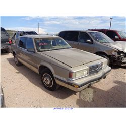 1993 - DODGE DYNASTY // SALVAGE TITLE