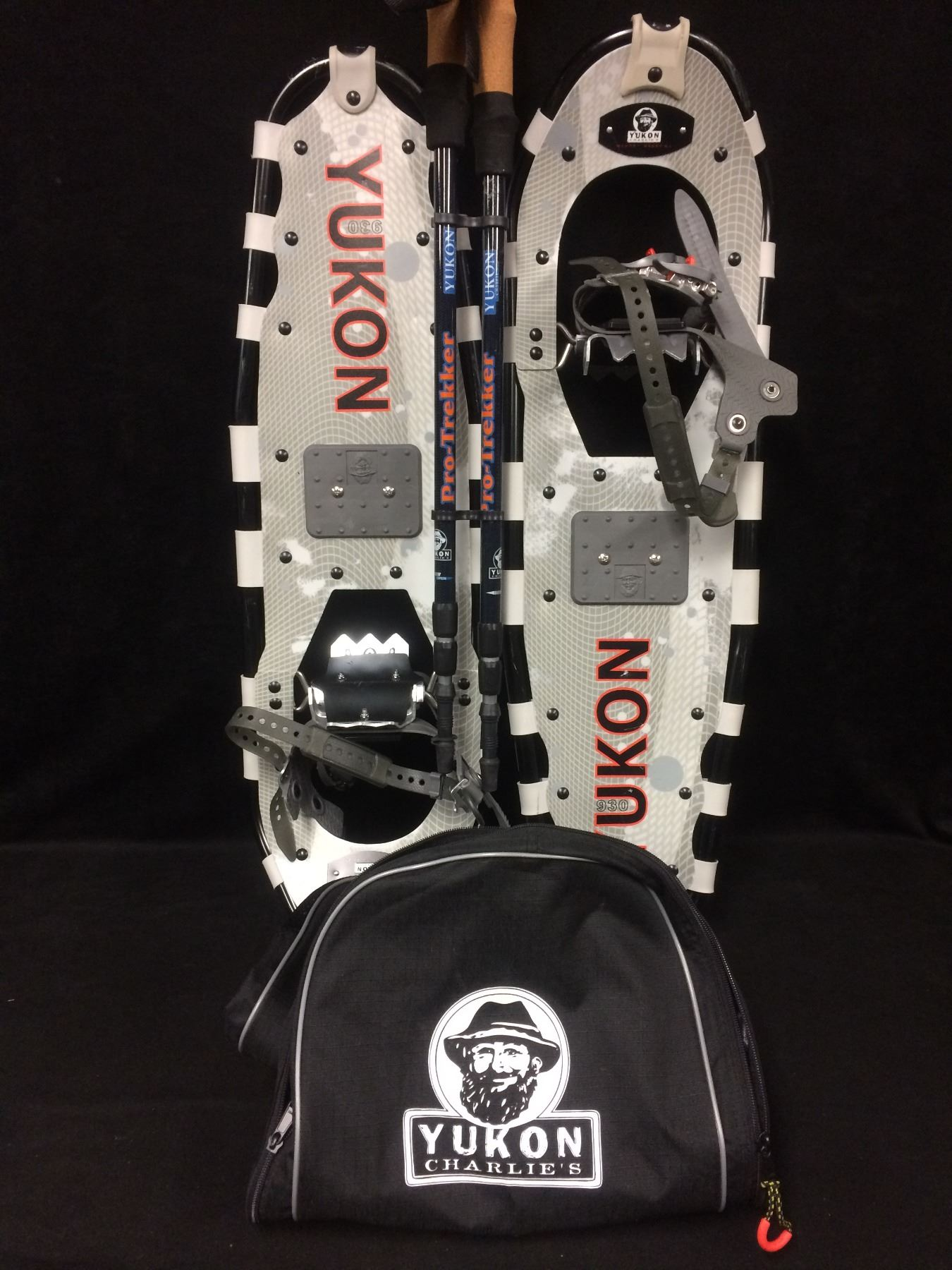 YUKON CHARLIE'S SNOW SHOES COMPLETE W/ CARRYING BAG