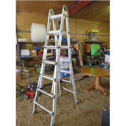 Step/Extension ladder, bottom legs bent