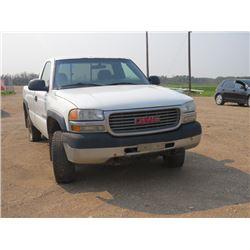 2002 GMC Sierra 2500HD VIN 1GTHK24U72E138095, needs safetied, weak transmission
