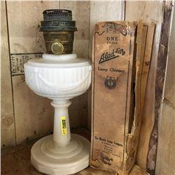 "Aladdin Lamp ""Washington Drape"" & Chimney w/Orig Box"