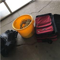 Tub w/Vac Parts & Luggage
