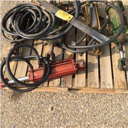 Pallet Lot: 5 Hydraulic Rams