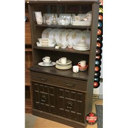 DeFehr China Cabinet / Hutch