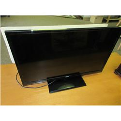 RCA 32 INCH LED TV / works great Ex Cond.  - but no remote