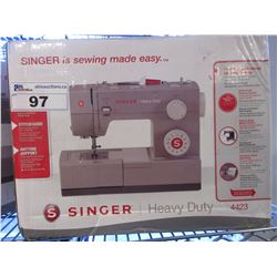 SINGER HEAVY DUTY SEWING MACHINE MODEL 4423