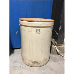 MEDALTA POTTERIES LTD 15 GAL STONEWARE CROCK (HAIRLINE CRACK PRESENT AT RIM)