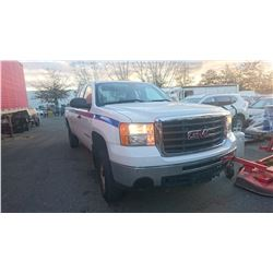 2007 GMC SIERRA 2500HD, WHITE, PICKUP, GAS, AUTOMATIC, VIN#1GTHK29K47E580640, 74,574KMS,