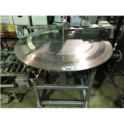 LARGE INDUSTRIAL FEEDER TABLE