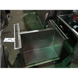 STAINLESS STEEL MOBILE DIVIDER CART