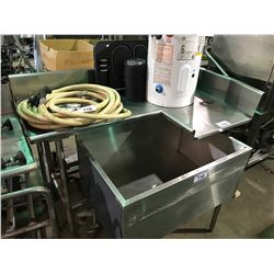 CORNER STAINLESS STEEL DISHWASHER TABLE