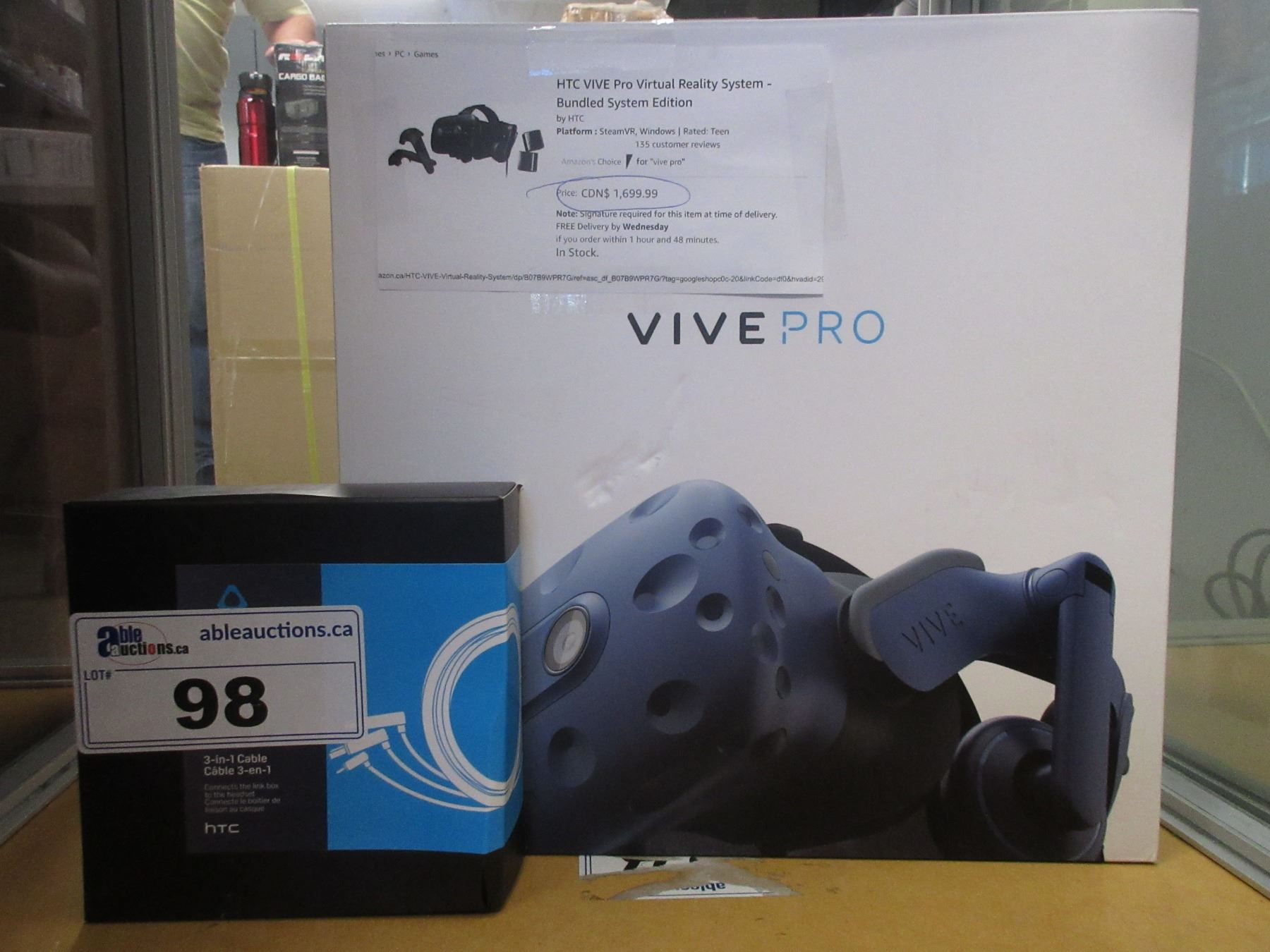 HTC VIVE PRO VIRTUAL REALITY BUNDLE SYSTEM