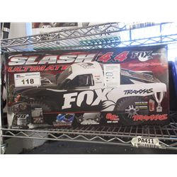 TRAXXAS SLASH ULTIMATE 4X4 FOX EDITION RC CAR