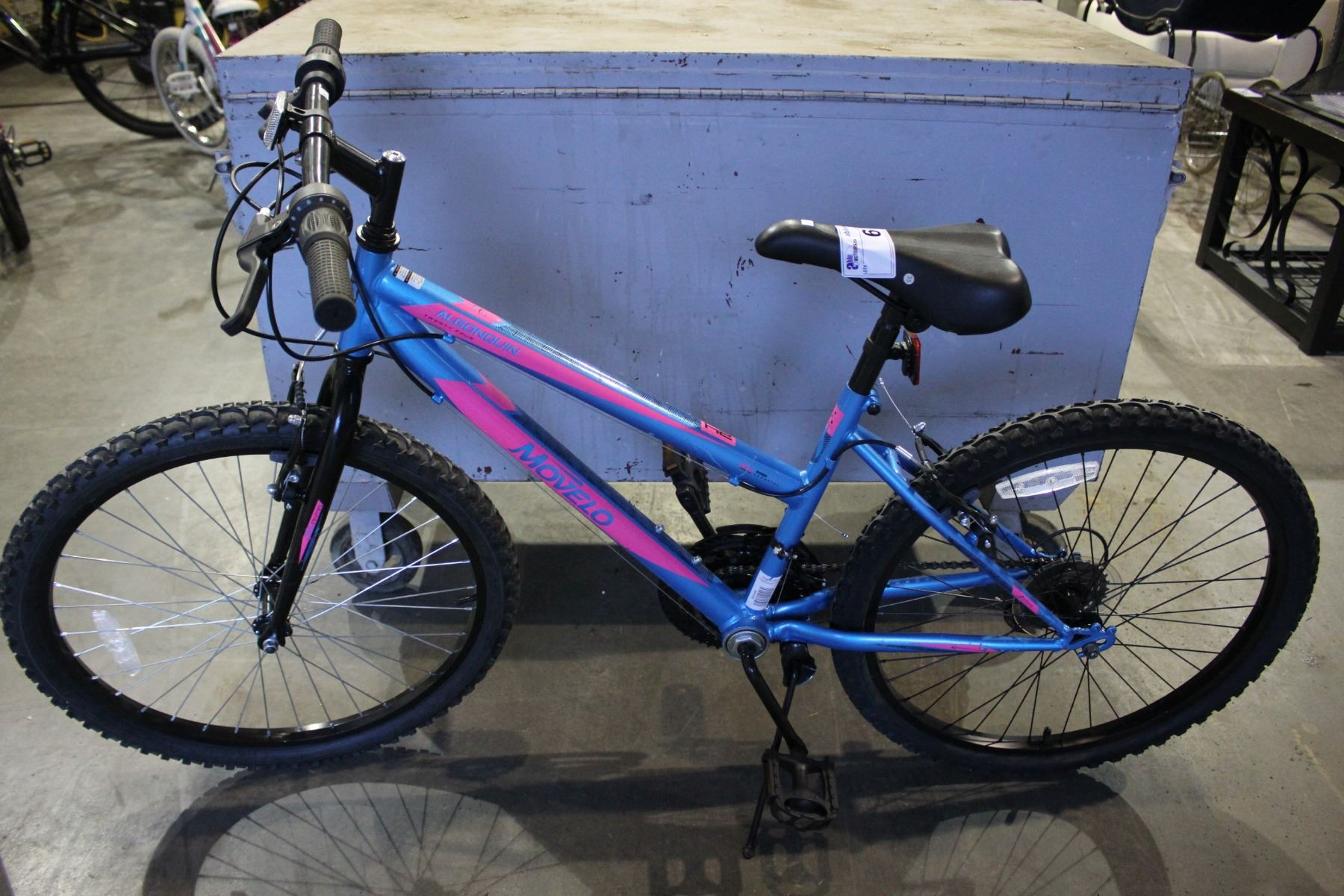 f3820e90453 Image 1   PINK BLUE MOVELO ALGONQUIN 18 SPEED MOUNTAIN BIKE WITH 24