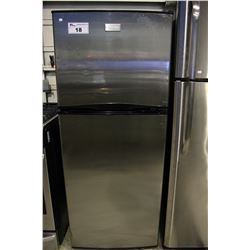 FRIGIDAIRE STAINLESS STEEL APARTMENT SIZED FRIDGE/FREEZER