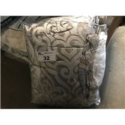 COMFORTER SET SIZE UNKNOWN