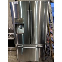 SAMSUNG STAINLESS STEEL FRENCH DOOR REFRIGERATOR - MODEL: RF323TEDBSR/AA