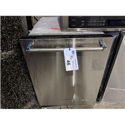 KITCHENAID STAINLESS STEEL DISHWASHER - MODEL: KDTE254ESS2