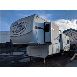 2008 BIG COUNTRY 3250 TRAVEL TRAILER, WHITE, VIN#5SFGF32228E009548, AS IS WITH CONTENTS, NEEDS