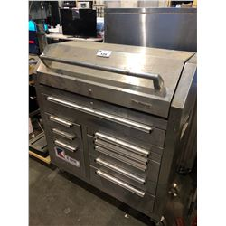 TOOLMASTER HEAVY DUTY STAINLESS STEEL 9 DRAWER MOBILE TOOL CHEST WITH CONTENTS