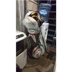 GOLF BAG WITH ASSORTED GOLF CLUBS & CART