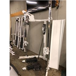 HOIST CABLE EXERCISE STATION WITH WEIGHTS
