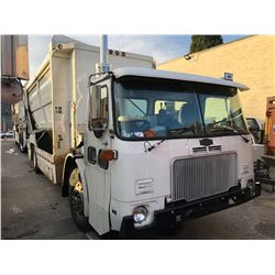 2006 AUTOCAR XPEDITOR, 2DR RECYCLING TRUCK, WHITE, VIN # 5VCH36PE06H202395