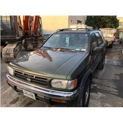 1998 NISSAN PATHFINDER, 4DR SUV, GREEN, VIN # JN8AR05Y0WW216708