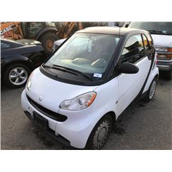 2009 SMART FORTWO, 2DR HATCH, WHITE, VIN # WMEEJ31X99K302244