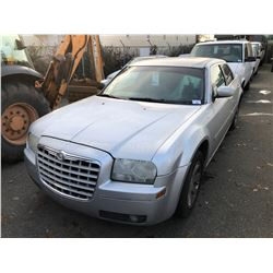 2005 CHRYSLER 300, 4DR SEDAN, GREY, VIN # 2C3JA53G55H173785