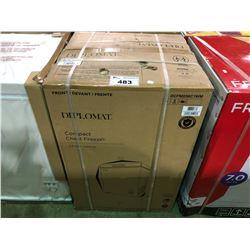 (BOXED)DIPLOMAT DCFM036C1WM 3.5 CU.FT. COMPACT CHEST FREEZER