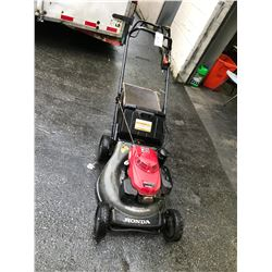 HONDA GAS POWERED WALK BEHIND COMMERCIAL LAWNMOWER