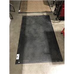 BLACK RUBBER HEAVY DUTY FLOOR MAT 3' X 5'