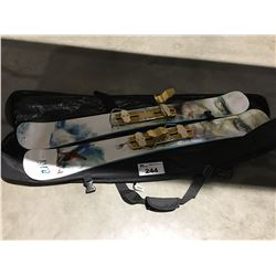 PAIR RVL8 SKIBOARDS WITH CARRYING CASE
