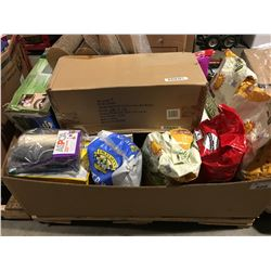 PALLET LOT OF CAT ITEMS - FOOD, SCRATCHING PADS, KITTY LITTER ECT