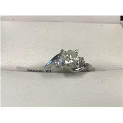 LADIES 14K WHITE GOLD DIAMOND RING SIZE 7 - APPRAISAL $4050.00