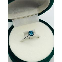 LADIES 10K WHITE GOLD BLUE DIAMOND SOLITAIRE RING - APPRAISAL $2050.00