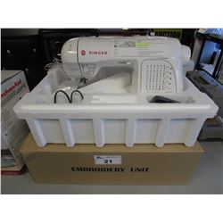 SINGER XL-420 FUTURA SEWING & EMBROIDERY MACHINE
