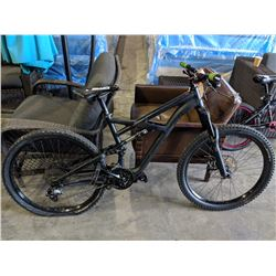 BLACK SPECIALIZED ENDURO COMP 20-SPEED MOUNTAIN BIKE WITH DISC BRAKES