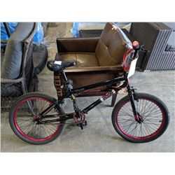 BLACK/PINK HYPERBIKE METRO BMX BIKE