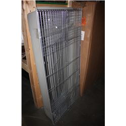 LARGE PET ENCLOSURE - APPROX.4FT X 2FT