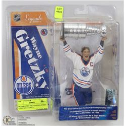 MCFARLANES NHL LEGENDS SERIES 4 THE GREAT ONE'S