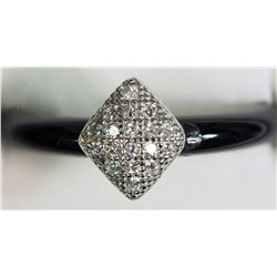#5)STERLING SILVER CUBIC ZIRCONIA ONYX RING.