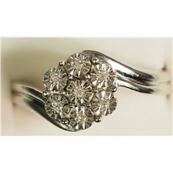#43)STERLING SILVER 7 DIAMOND RING